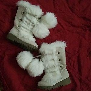 Girls Gogo Pompom furr boots 12 /18 months size 6